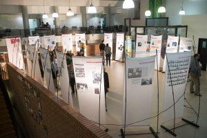 """תמונה 4 מתערוכה – """"עורכי דין ללא זכויות"""""""