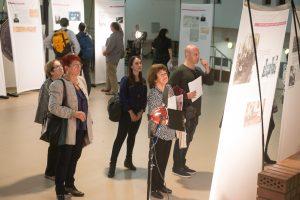 """תמונה 8 מתערוכה – """"עורכי דין ללא זכויות"""""""