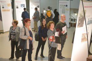 """תמונה 10 מתערוכה – """"עורכי דין ללא זכויות"""""""