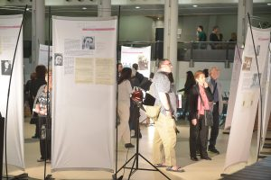 """תמונה 16 מתערוכה – """"עורכי דין ללא זכויות"""""""