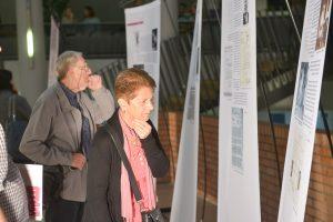 """תמונה 17 מתערוכה – """"עורכי דין ללא זכויות"""""""