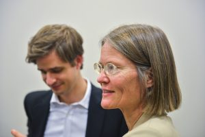 """תמונה 11 מכנס הקשת הספר """"Transparancy and International Law"""""""