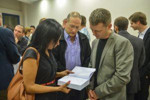 """תמונה 25 מכנס הקשת הספר """"Transparancy and International Law"""""""