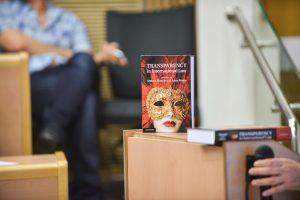 """תמונה 94 מכנס הקשת הספר """"Transparancy and International Law"""""""